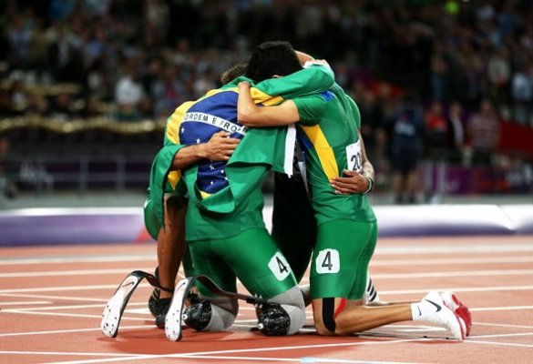 brazils-4x100m-team-hugs-after-the-race