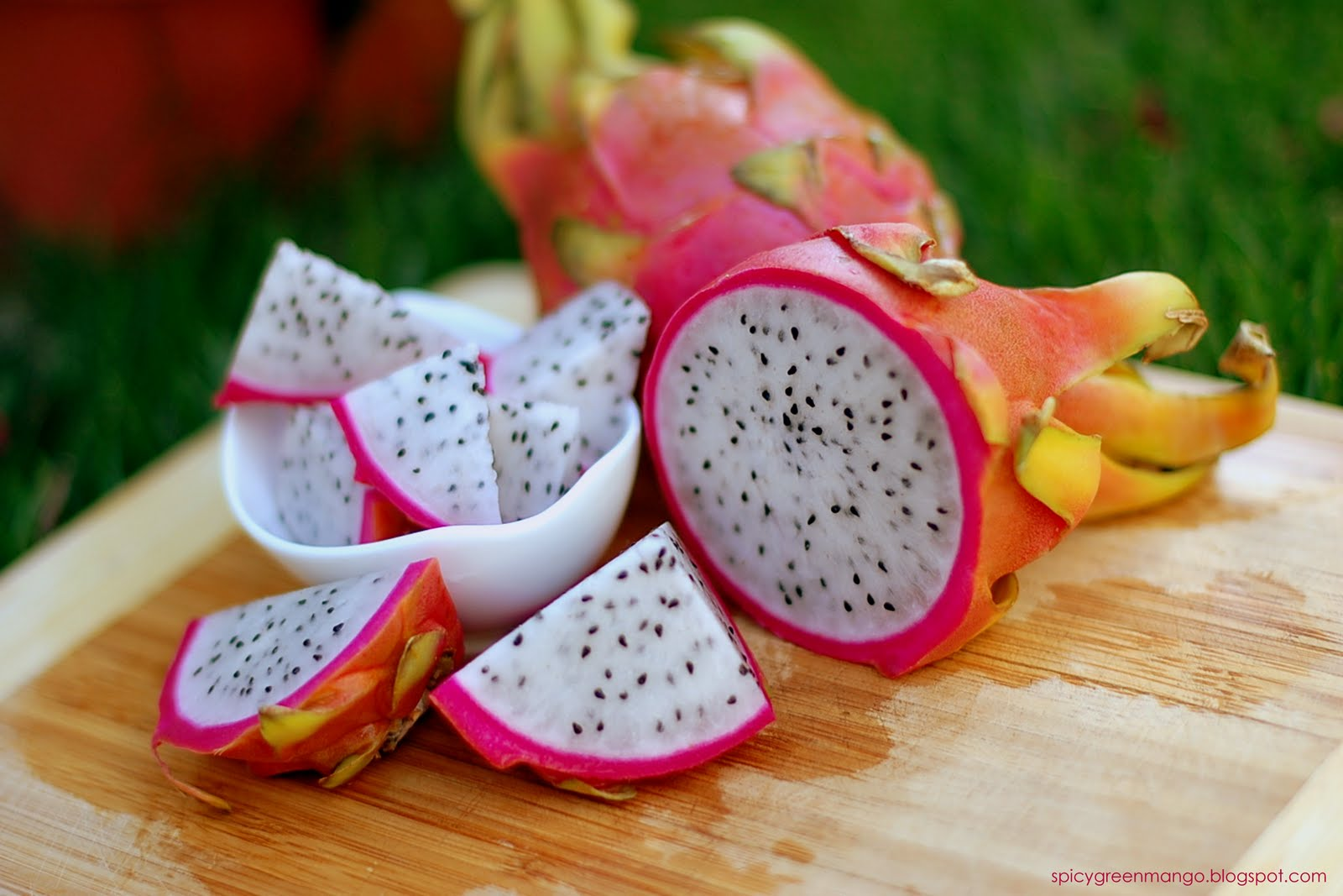 dragon fruit fruits with fiber