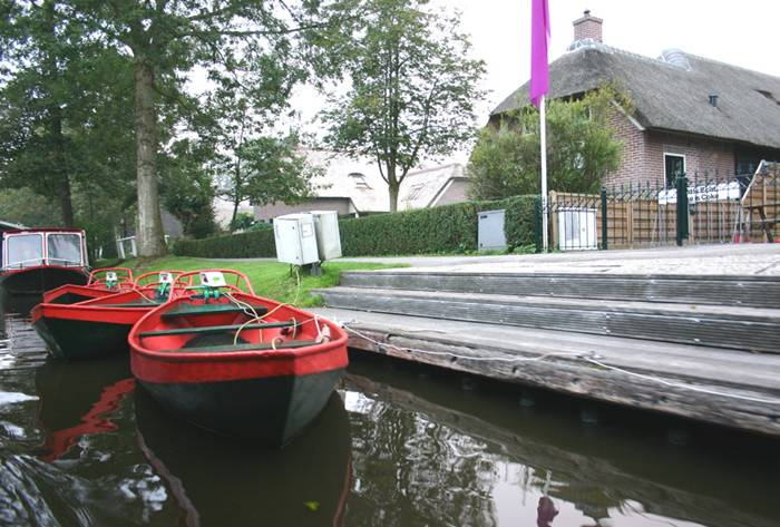 Guethoorn_Dutch_Village_004