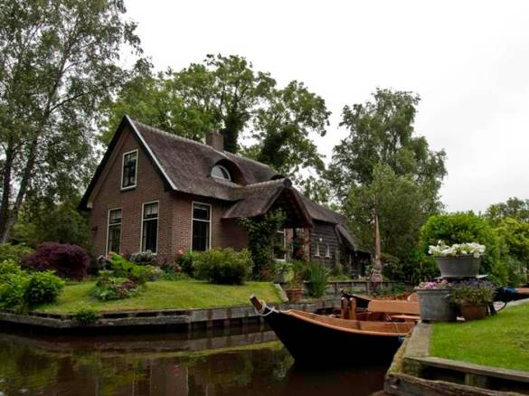 Guethoorn_Dutch_Village_011