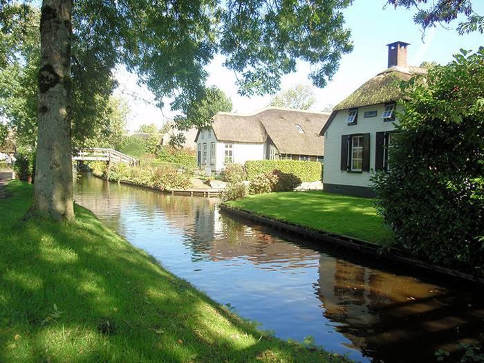 Guethoorn_Dutch_Village_014