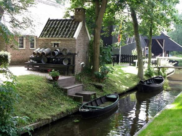 Guethoorn_Dutch_Village_020