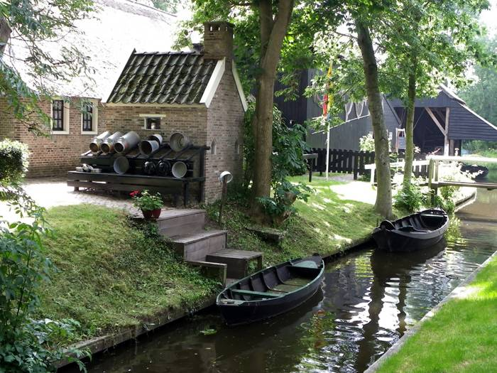 Guethoorn_Dutch_Village_020
