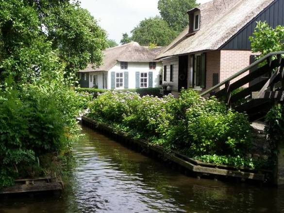 Guethoorn_Dutch_Village_021