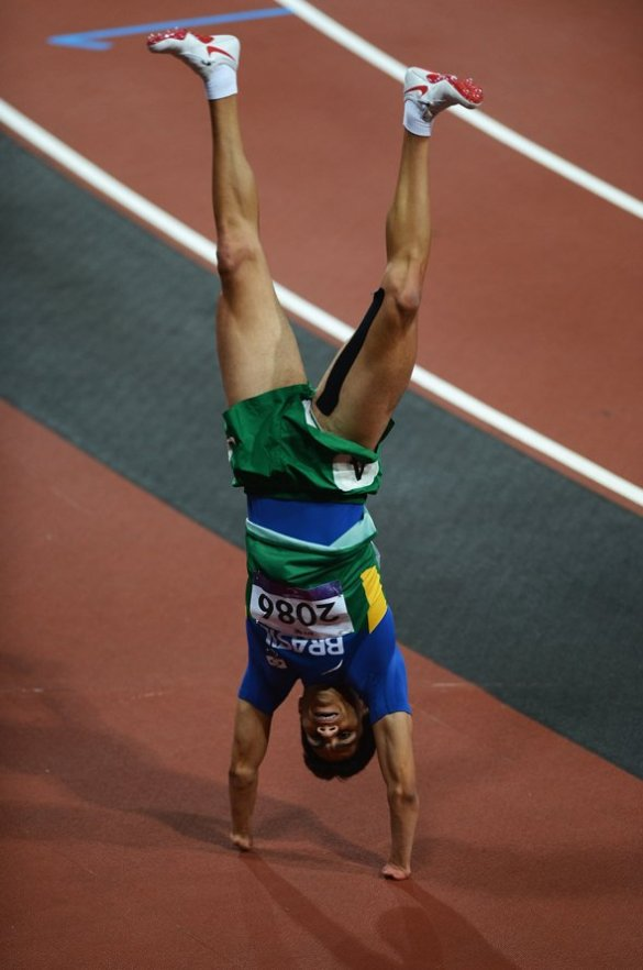 yohansson-nascimento-of-brazil-celebrates-after-winning-silver-in-the-mens-400m