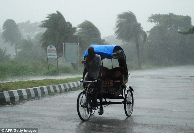 Cyclone Phailin (3)