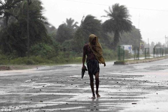 Cyclone Phailin (5)