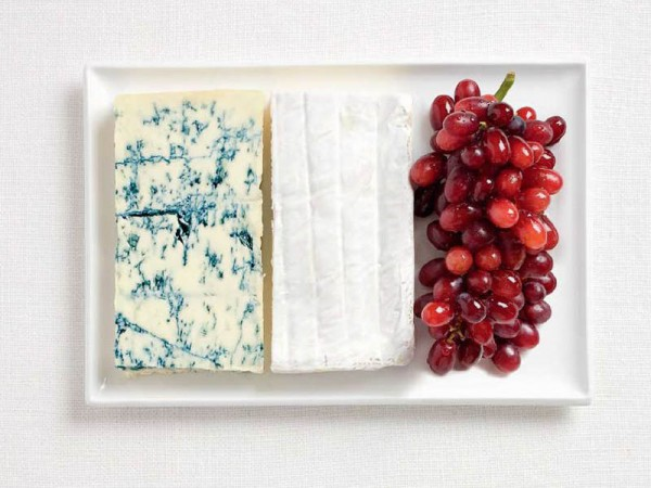 France's flag made from Blue cheese, brie and grapes.