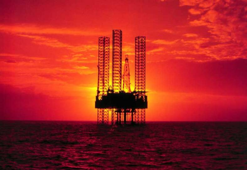 effects of offshore drilling Any time oil drilling is mentioned, you know there's going to be talk of its environmental impacts when it comes to offshore oil drilling, that talk is even more heated, since you're not just digging underground but also thousands of feet underwater whenever oil is recovered from the ocean floor, other chemicals and toxic.