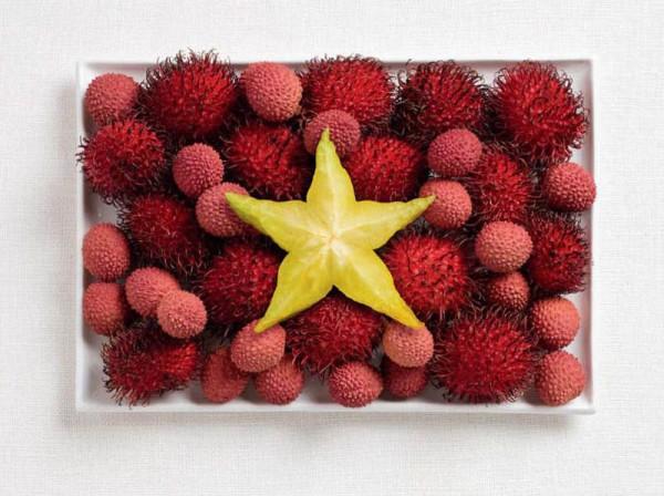 Vietnam's flag made from rambutan, lychee and starfruit.