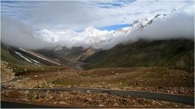 Road_between_Manali_and_Leh-1024x574