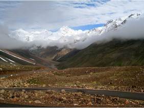 Road_between_Manali_and_Leh-1024x574