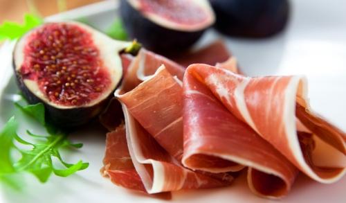 parma-ham-italy-figs