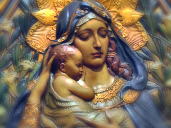 mother-mary-and-infant-jesus