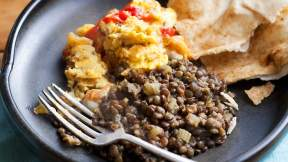 AFGHAN Afghani eggs with fragrant lentils and pita