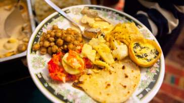 INDIAN Cabbage with coconut and split chickpeas (band gobi sabzi)