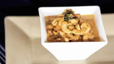 SRI LANKAN Dry cashew curry