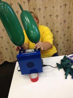 2500 Baloon Godzilla (3)