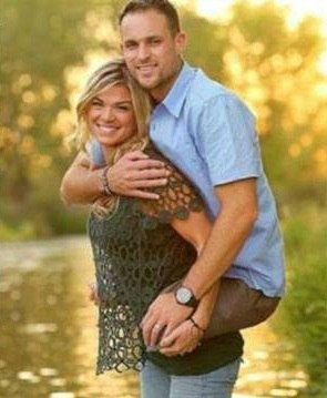 "A pic of a woman and her husband, a former Marine, has gone viral on social media. Kelly and Jesse Cottle were taking family photos on the beach when the photographer, Shutter Happy Photography, asked everyone to get in the water. Jesse, a double amputee, took off his prosthetic legs and hopped on Kelly's back so she could carry him. Jesse lost his legs in Afghanistan when he stepped on an IED. ""It doesn't matter how heavy he is,"" Kelly said. ""It just makes me thankful...that he is still here."" Beautiful things in life can only be felt, can never be touched"