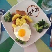 Anne's eggs art (12)