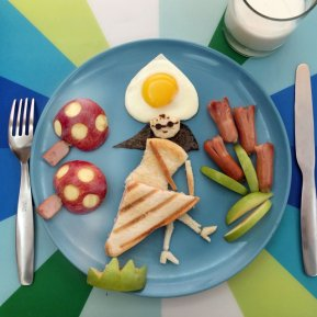 Anne's eggs art (4)