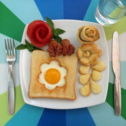 Anne's eggs art (5)