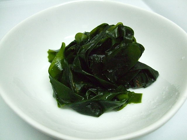 640px-Boiled_wakame